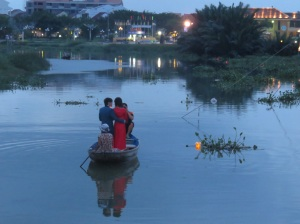 Lots of wedding parties on the river. This seems to be the marriage centre of Vietnam!